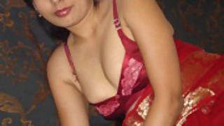 Hot sexy Indian girls posing naked on camera 25
