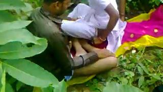 Young tamil couple fucking in fields