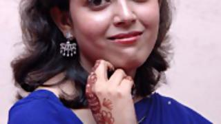 Hot Indian girl giving some hot poses on camera